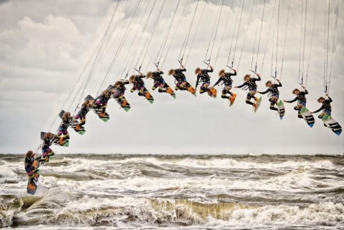 Marionet-Kitesufer-Bergen-Aan-Zee-Fotografie-Rick-Akkerman-Publicatie-AC-NHD-21-09-2013