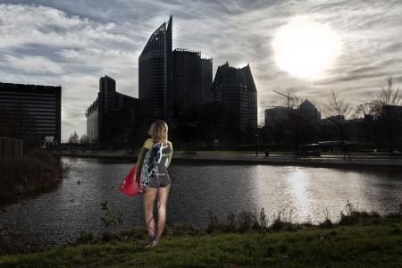 fotograaf-rick-akkerman-serie-golfsurfen-passie-Marit-Surfen-na-het-werk