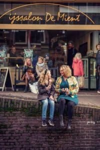 ijsje-eten-mient-alkmaar-rick-akkerman-fotografie