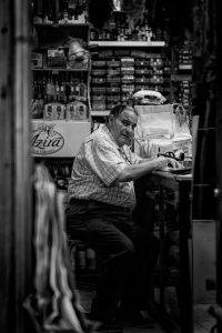 man-shop-straatfotografie-rick-akkerman