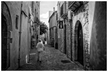 man-straat-ibiza-rick-akkerman-fotografie