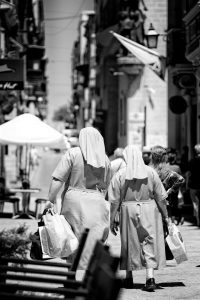 nonnen-straatfotografie-rick-akkerman
