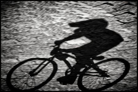 rick-akkerman-fotografie-fcc-de-boscrossers-heiloo-bmx-crossfiets-race-wedstrijd-schaduw