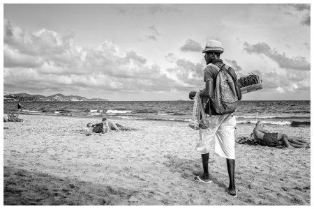 verkoper-ibiza-strand-rick-akkerman-fotografie